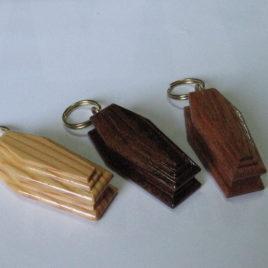 Portachiavi in legno naturale misti 6 cm