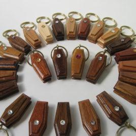 Portachiavi in legno naturale con strass 3 cm